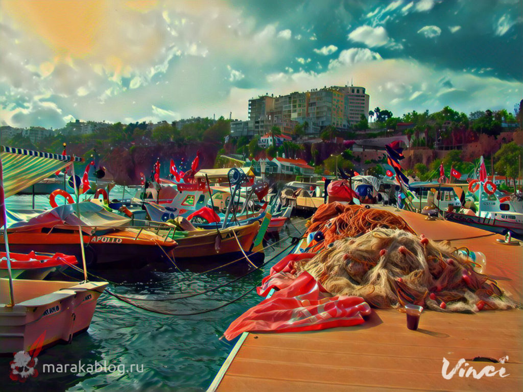 Фото рыболовецких снастей и лодок на причале в Анталии